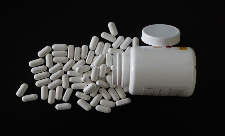 Why Buying Unlicensed & Fake Diet Pills Online Is So Dangerous