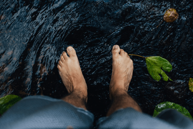 Vinegar Foot Soaks For Toenail Fungus and Other Home Remedies Assessed